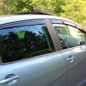 Ανεμοθραύστες αυτοκινήτου Heko set (4 τεμάχια)